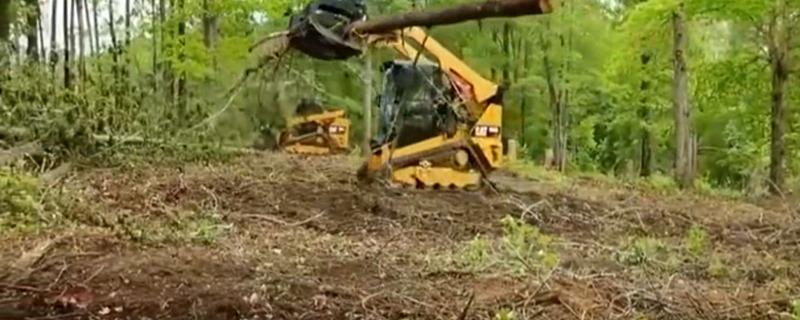 美国人发明的新型挖掘机,别看机器小小的,功能还挺多!