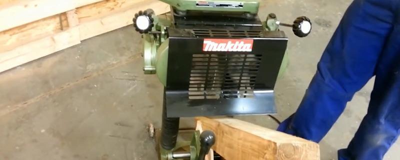 干了半辈子木工活,第一次见这么先进的工具,真让人羡慕